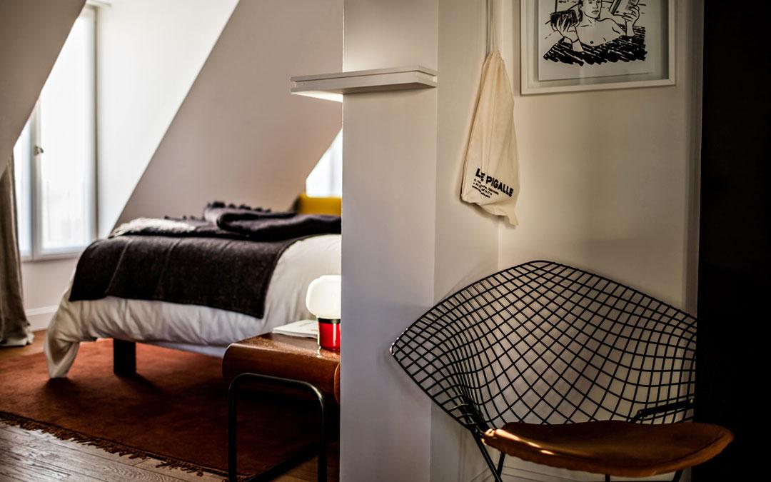 brifour hotel le pigalle hotel solutions. Black Bedroom Furniture Sets. Home Design Ideas